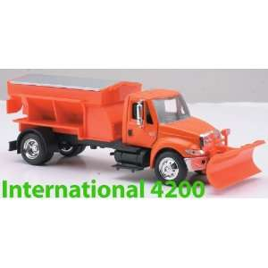 International 4200 Snow Plow Truck: Everything Else