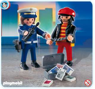 PLAYMOBIL === Police 4269: Policeman with Thief === NEW