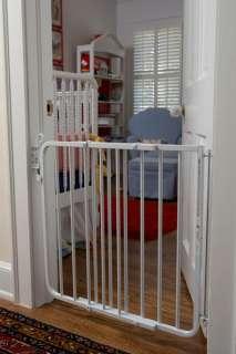 Cardinal Aluminum White Auto Lock Pet Dog Gate MG15B W