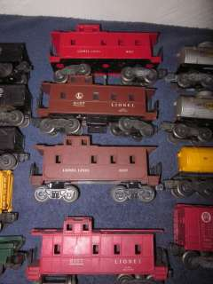 14 LIONEL TRAINS POSTWAR FREIGHT CARS