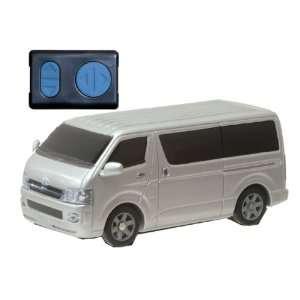 Tomy Caul Toyota Hiace Infra red Radio Control Car 138 Toys & Games