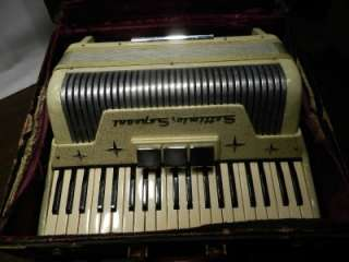 VINTAGE SETTIMIO SOPRANI ITALIAN MADE 41 KEY PIANO ACCORDION W/CASE