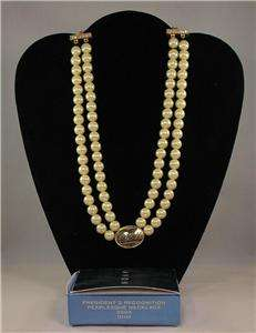 AVON Presidents Recognition Pearlesque Necklace 2005