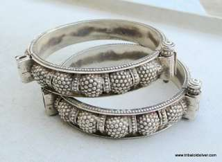 ETHNIC TRIBAL OLD SILVER HINGE BRACELET BANGLE PAIR IND