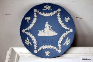 Wedgwood Christmas plates, and 1995 valentines plate