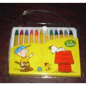 Peanuts Charlie Brown & Snoopy Crayons in Carrier Toys & Games