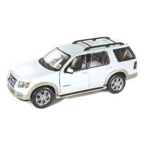 2006 Ford Explorer (Eddie Bauer) 1/18 Whie oys & Games