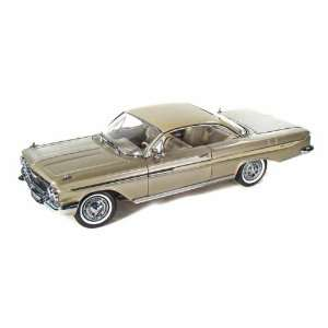 1961 Chevy Impala Sport Coupe SS 409 1/18 Fawn Beige Poly