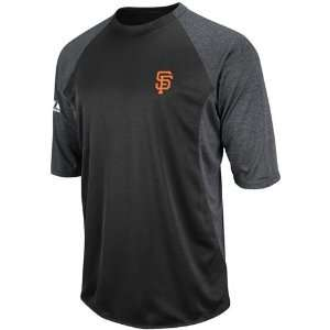 San Francisco Giants Therma Base Featherweight Tech Fleece 3/4 Sleeve