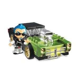 Nano Customz Building System Green Car + Figure Toys