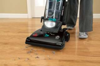 Helix Upright Bagless Vacuum Cleaner   82H1 011120010381