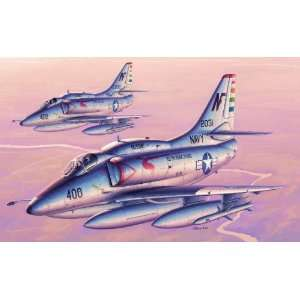 Trumpeter 1/32 A4F Skyhawk Attack Aircraft Kit Toys & Games