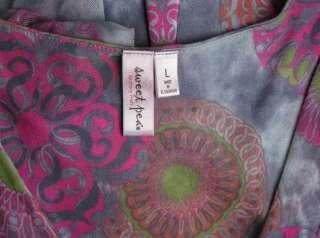 SWEET PEA Gray Pink Print V Neck Unique SHIRT TOP sz L