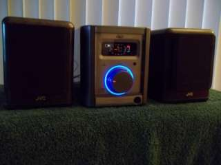 JVC FS 5000 AM/FM CD Compact Stereo System + JVC SP UX5000Speakers
