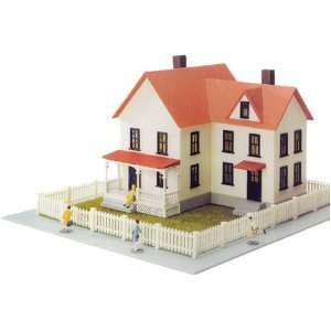com Model Power HO Scale Building Kit   Sullivan House Toys & Games